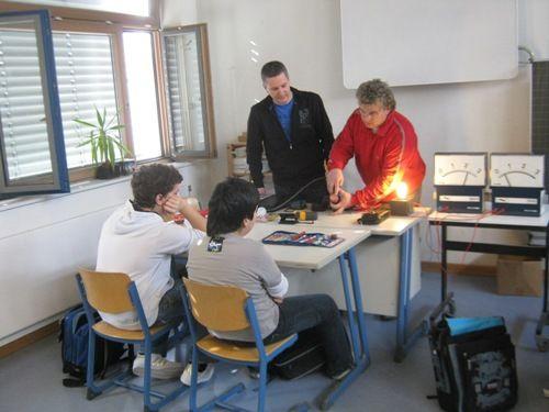 Herr Hüftle mit Mitarbeiter
