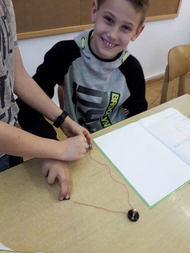 Welche Materialien leiten Strom?